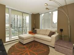 Bright & Airy 2 Bdrm, 2 Bath + Den Corner Suite at The Freesia! NEW LOW PRICE!!!