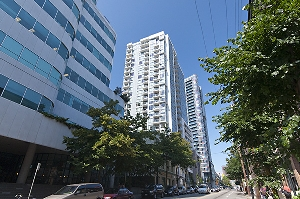 Southern Exposure 1 bedroom and den home at the Stylish Raffles on Robson