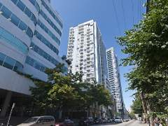 Luxury One Bedroom at Raffles on Robson with Views to the South!