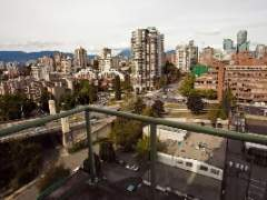 Water and Mountain Views on Beach Avenue, Yaletown, Downtown Vancouver, Spacious 2 Bedroom + 2 Bath