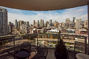 Beautiful Mountain, City and Water Views in Prime Yaletown Location, 3 Bedroom + Large Balcony