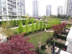 3 Level, 2Bedroom Townhouse in Trendy Yaletown