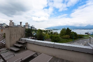 137 Alexander Street – 3 bedroom, 2 Bath, 5 Level Gastown Townhouse with a Rooftop Deck and its own Parking Garage!