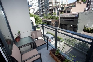 210-1082 Seymour Street | Immaculate One Bedroom Condo at the Freesia in Downtown Vancouver |Yaletown | Vancouver West