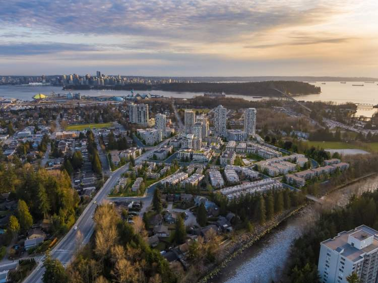 This North Shore sweet spot has it all. It's within walking distance of the upcoming Lions Gate Village – with new shops, restaurants, a recreational facility and a daycare – allowing you to live more fully than ever.