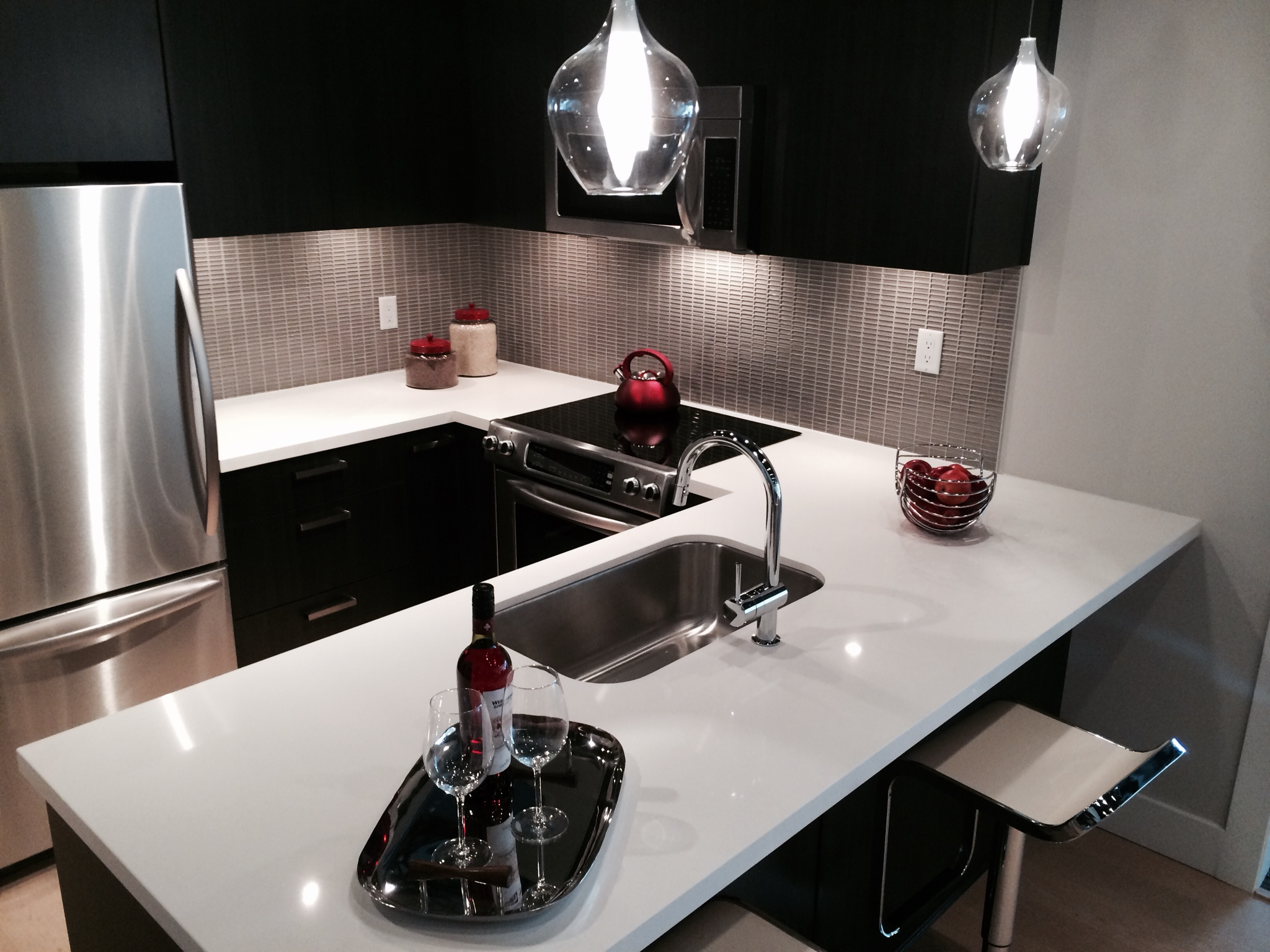 Midtown Vancouver Kitchen at Display Centre
