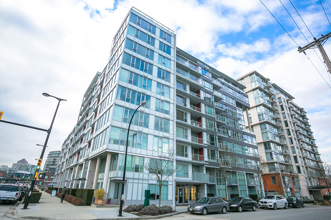 902 1887 Crowe Street Pinnacle Living False Creek