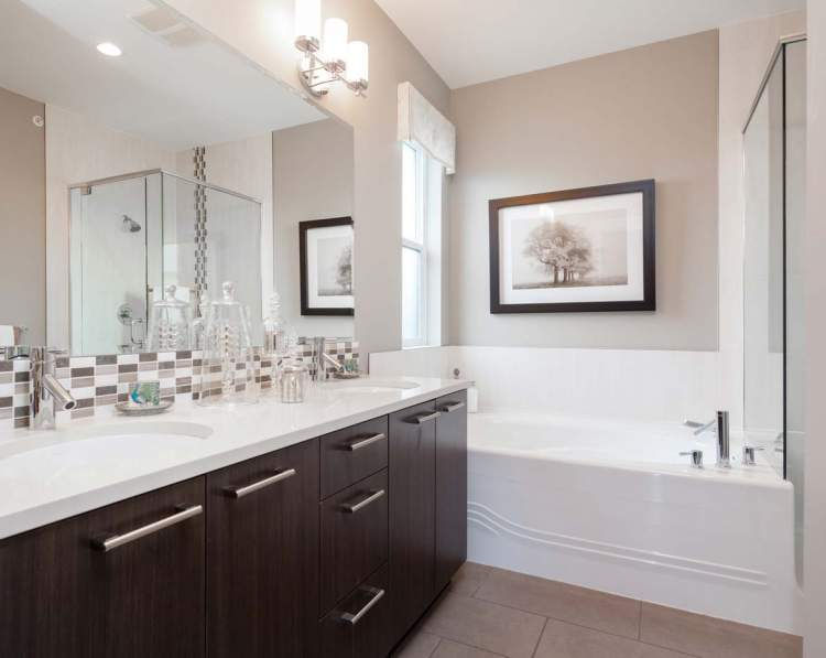 Relax in this exquisite en suite at Camden at The Falls.