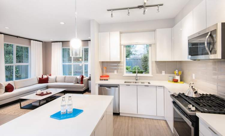 These bright and airy homes will have gourmet kitchens with spacious islands, sleek stainless steel appliances and polished stone counter tops.