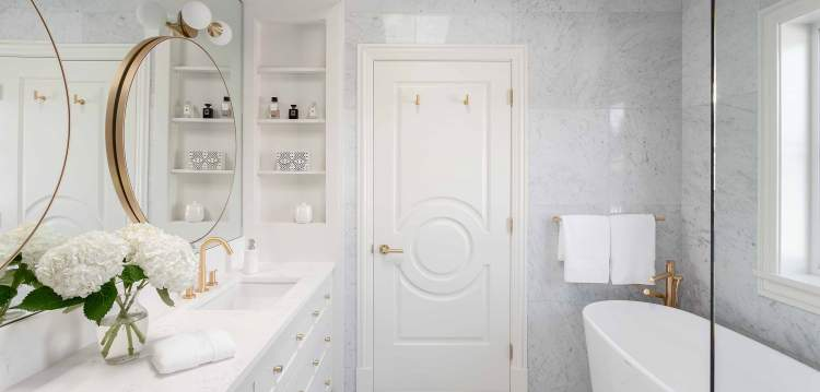 Ensuites boast large walk-in-shower, separate toilet room and deep Victorian Albert free- standing soaker tub with satin brass faucets and plumbing fixtures throughout.