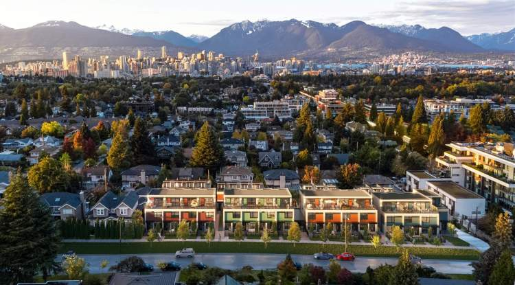 Within a 5-minute radius of Oakridge Centre, Hillcrest Community Centre, SkyTrain, and Cambie Village.