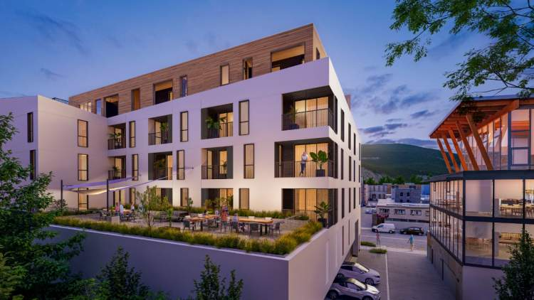 Aegean Homes is centrally located in downtown Squamish, clsoe to city hall, the library, schools, and community parks.