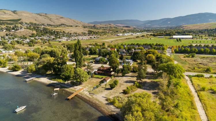 Situated along the shores of Lake Okanagan with two direct beach access points.