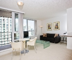 Spacious One Bedroom Condo on the 27th Floor of the Azura!